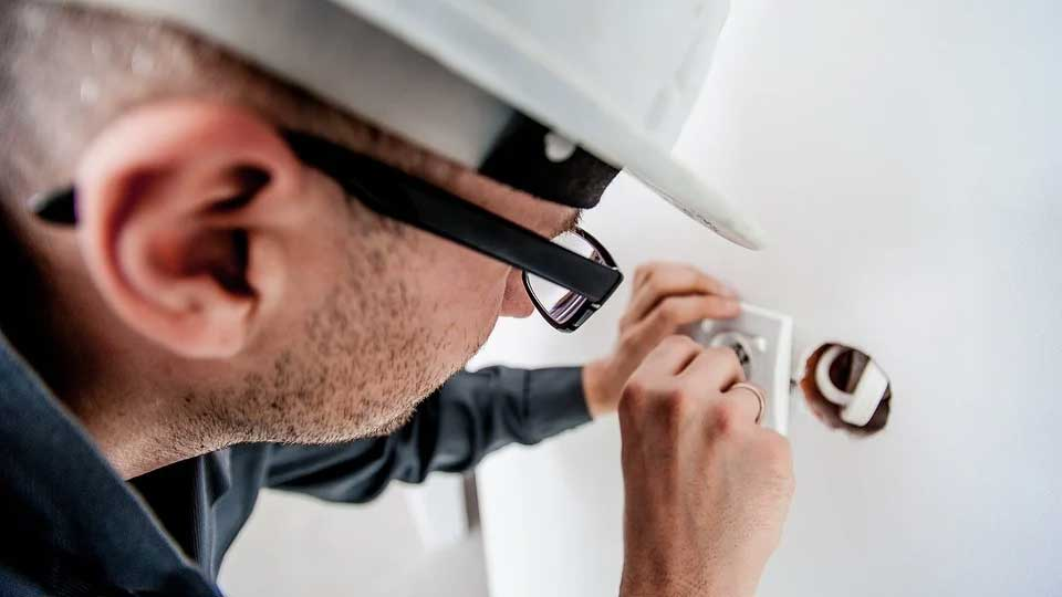 Why Organisations Invest in Electrical Safety Programmes - Why Organisations Invest in Electrical Safety Programmes